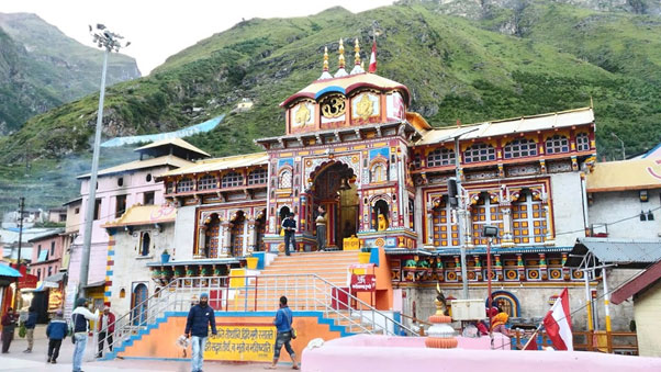 Visit the Badrinath Temple in Uttarakhand. Its one of the Four Char Dham Yatra. Religious place In India. Visited by many travellers. Plan Your trip with Fortune Connect Holidays.