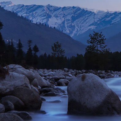 """Beautiful Kashmir known as """"Paradise on Earth"""" . Fortune Connect Holidays. famous for scenic beauty, snow, valley, nature, trekking, hikking, Gondola ride. Kashmir package for 5 days to 8 days, Can cover Srinagar, Gulmarg, Pahalgam, Sonmarg . Safe for tourist , security available, Food , Kashmir cloths, Kashmiri chai"""