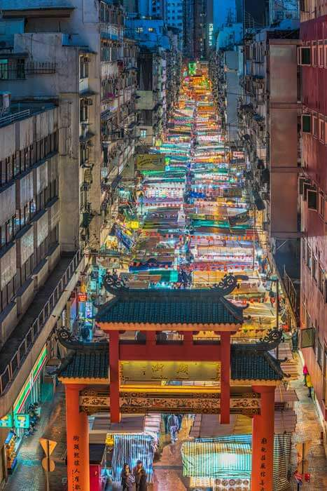 Shopping area in Hong Kong. Many places are there for Shopping such has Central, Causeway Bay, North Point and Admiralty. Also Tsim Sha Tsui is famous for Shoping in Kowloon. Visit Hong kong with Fortune Connect Holidays. Quality Services.