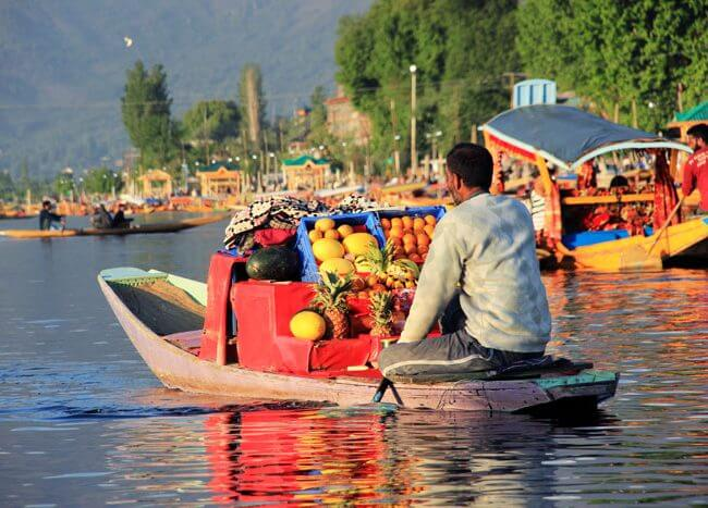 Dal Lake, Srinagar, Kashmir. Boat Ride . Shopping at Lake. Stay at Houeboat in Dal Lake
